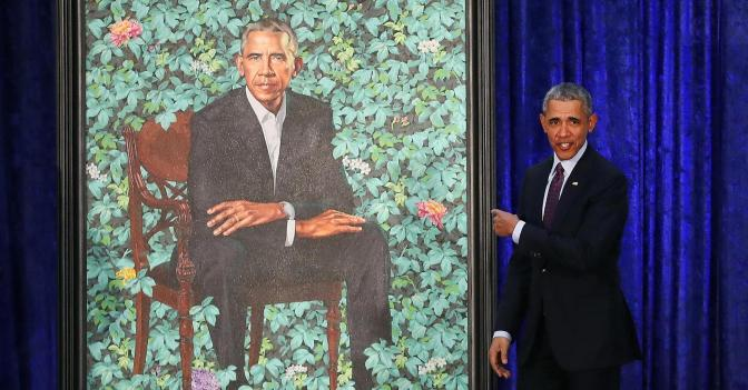 Obama Has 'Six Fingers' In White House Painting?